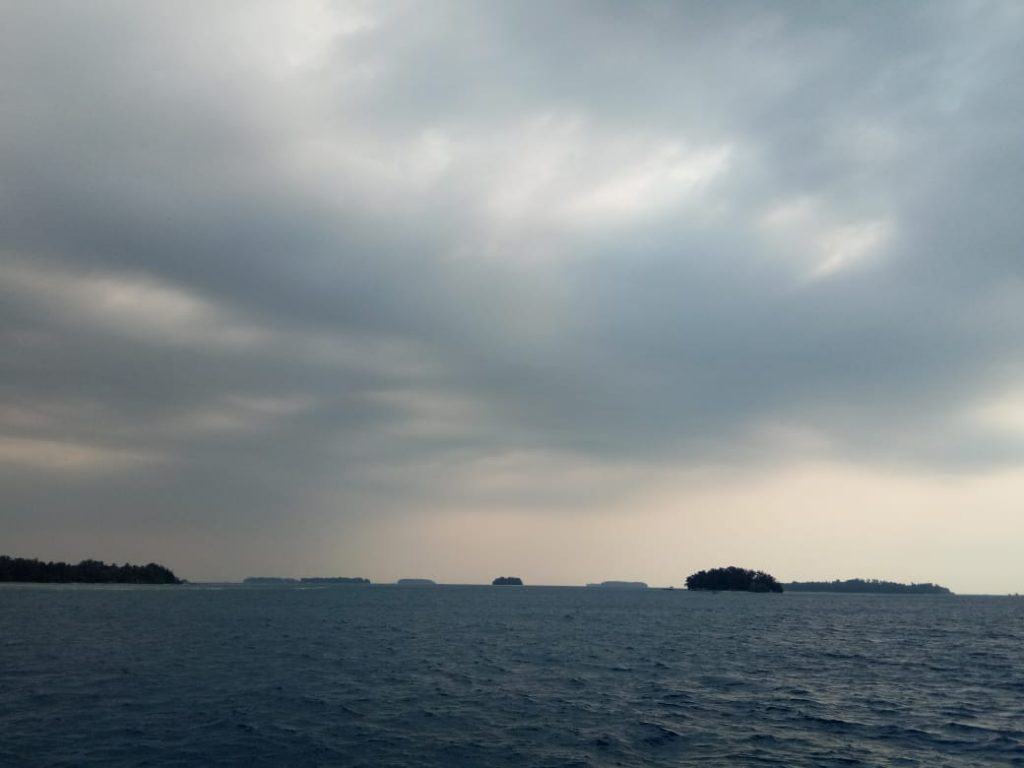 Bersihnya laut kepulauan seribu